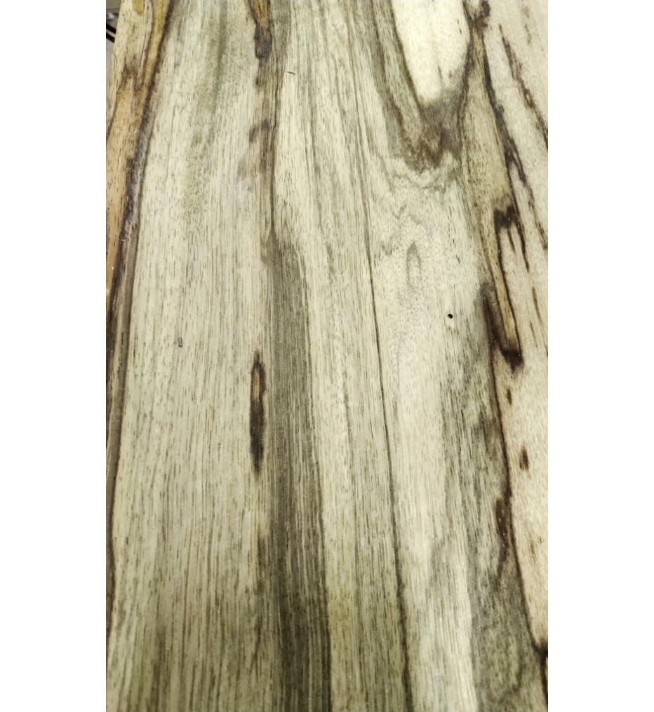 Шпон Блэк Офрам (Wildnut) 2850х280х0,6 мм