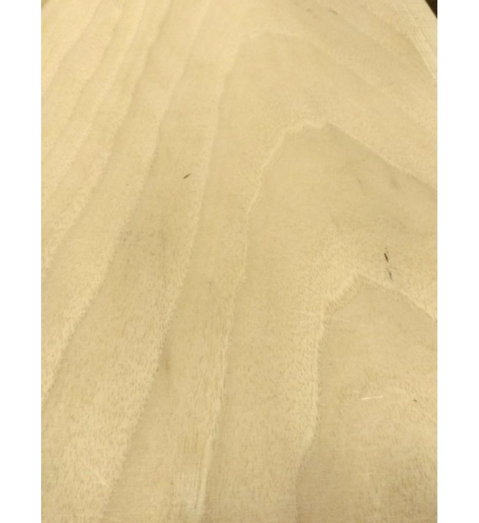 Шпон Орех европейский 2750х230х0,6 мм (бело-серый)